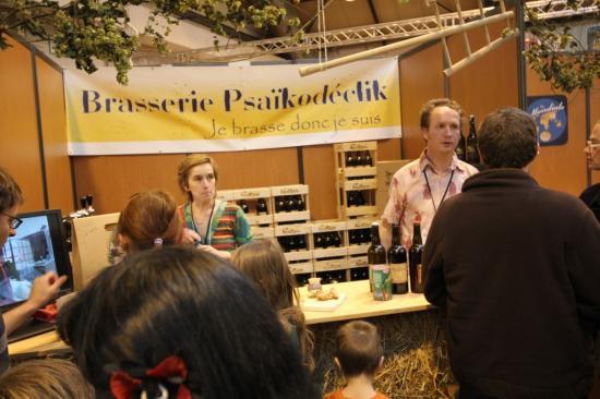 """Avec l'ancienne bannière (on pensait appeler la brasserie """"Psaïkodéclik"""" au début)"""