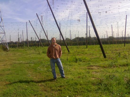 Chez notre producteur de houblon alsacien